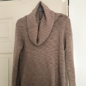 H&M pink turtle neck sweater